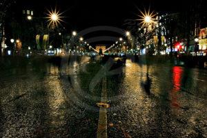 Photo Pose-Longue Reportage des Champs Elysées un soir de nouvel an