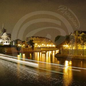 Photo Panoramique de Notre Dame de Paris, la Seine et les iles Saint Louis et de La Cité
